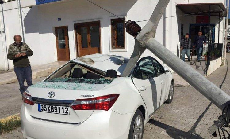 Direk Otomobilin Üzerine Yıkıldı!