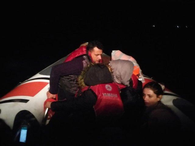 Lastik Botta 13 Göçmen Yakalandı!..
