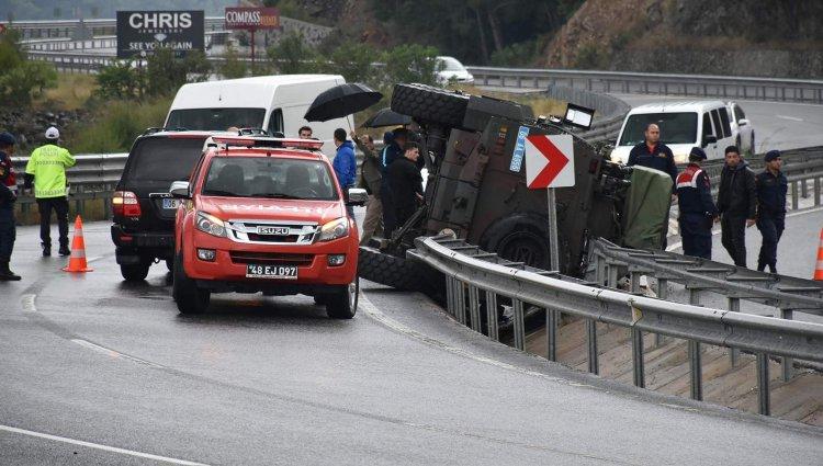 Marmaris'te Zırhlı Araç Kaza Yaptı, 3 Özel Harekat Polisi Yaralandı!