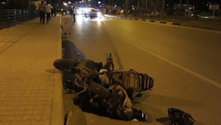 Otomobil, Motosiklete Çarptı: 1 Ölü, 1 Yaralı!..