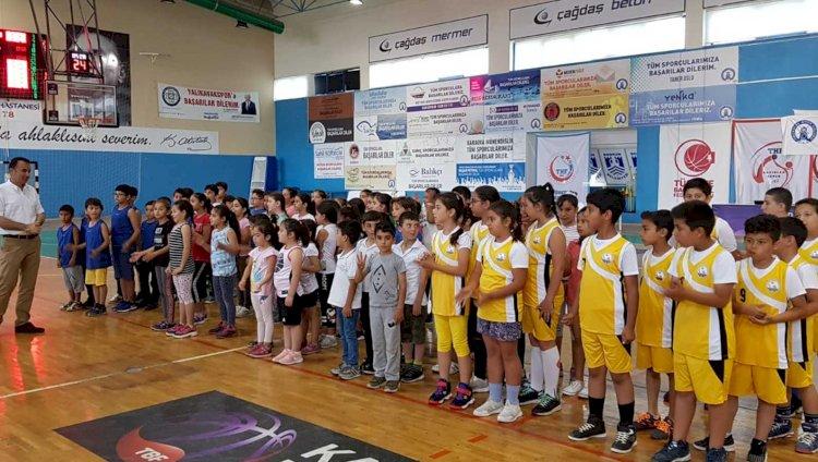 Basketbol Şenliğine 240 Öğrenci Katılıyor