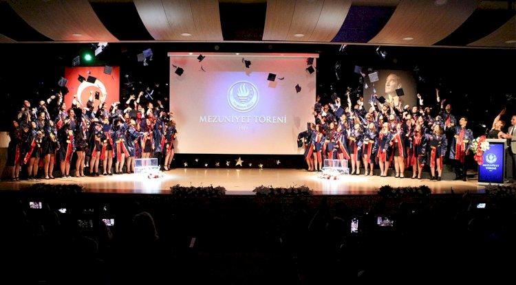 TED Bodrum Lisesi İlk Mezunlarını Verdi