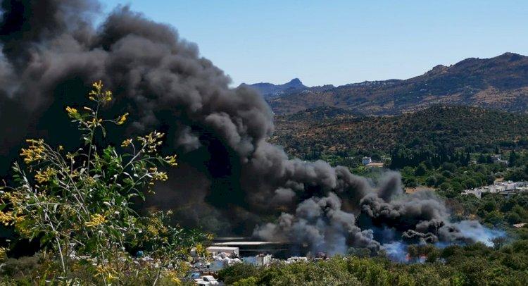 Ortakent'te Geri Dönüşüm Merkezi'nde Yangın!
