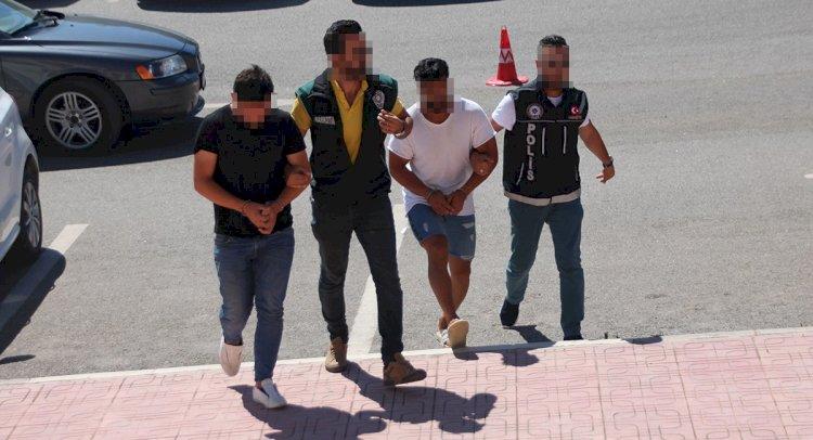 Turistlere Uyuşturucu Satan 2 Torbacı Tutuklandı!