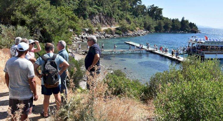 Altınkum Halk Plajı'nda Kaçak İskele Tepkisi