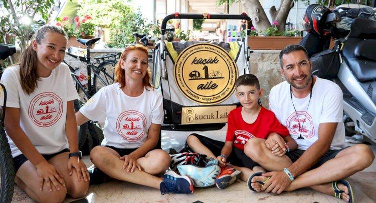 Bisikletli Ailenin Göbeklitepe'ye 1300 Kilometrelik Yolculuğu