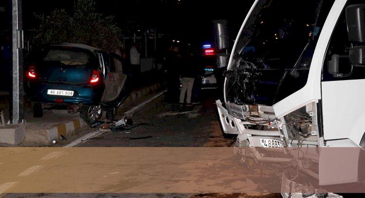 Minibüs ile Otomobil Çarpıştı: 1 Ölü, 5 Yaralı!