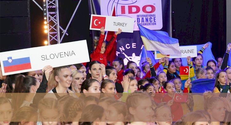 Dansçılarımız Polonya'dan Döndü...